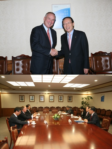 ['10.10.13.] PWC International Dennis M. Nally 회장 면담 썸네일